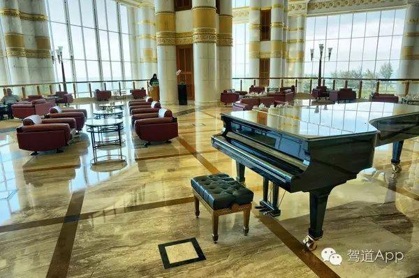 世界上10大最顶级的度假酒店第四名:文莱帝国酒店