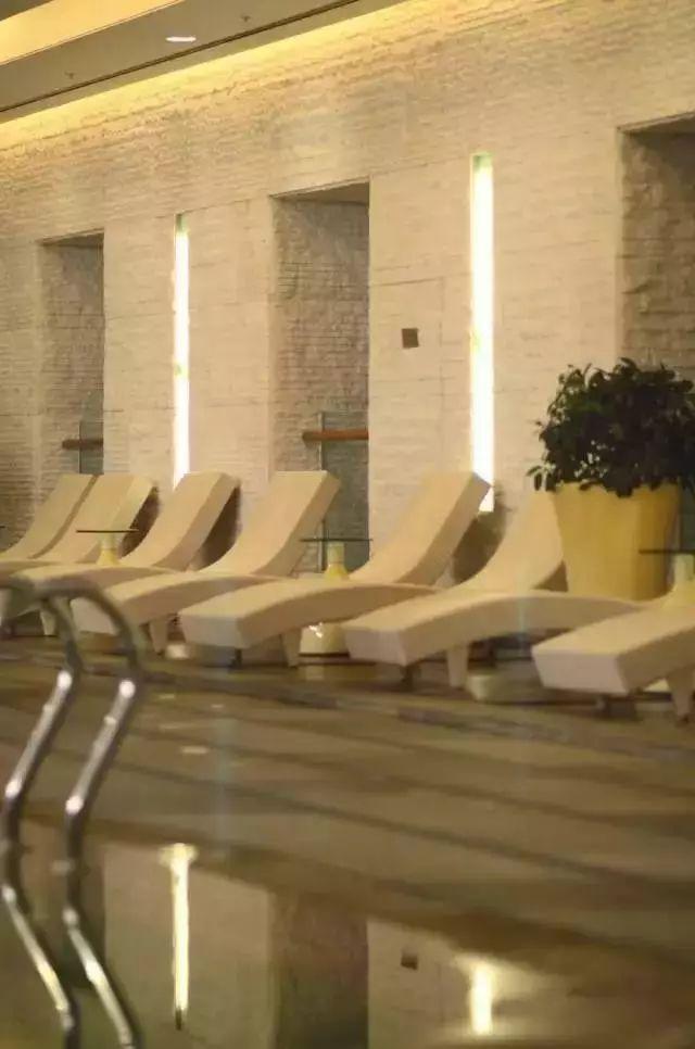 宁波高星酒店中的游泳池都是什么样?