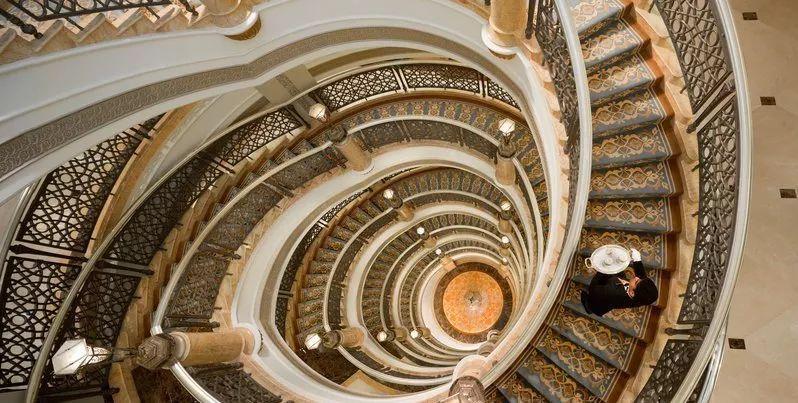 就差没用金子造的阿布扎比酋长皇宫酒店