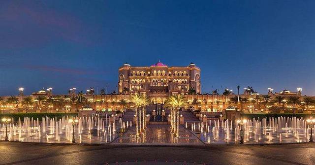 全球唯一的8星级酒店:占地24万平,入住就有7个人专门为你服务