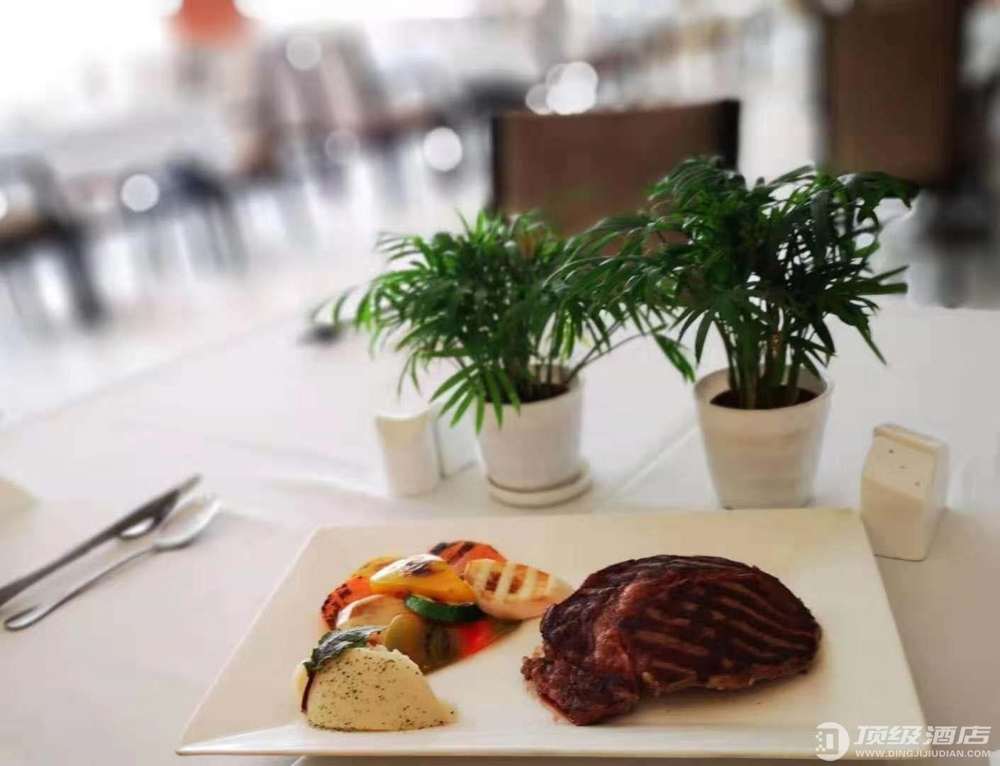 北京国际艺苑皇冠假日酒店安格斯扒房推出西式特惠午餐