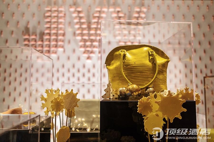 """北京粤财JW万豪酒店""""花""""漾圣诞 """"妆""""点心愿亮灯仪式"""