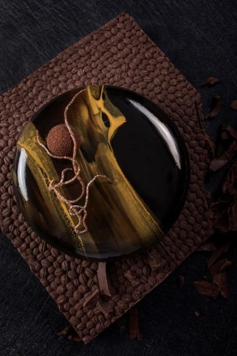 """""""巧""""心之作,至臻醇享,典藏时光  北京华尔道夫酒店干邑黑巧克力蛋糕浓情呈现"""