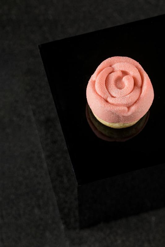 深圳星河丽思卡尔顿酒店与百年传奇品牌法国娇兰  联袂呈现「心悦·自然」主题下午茶