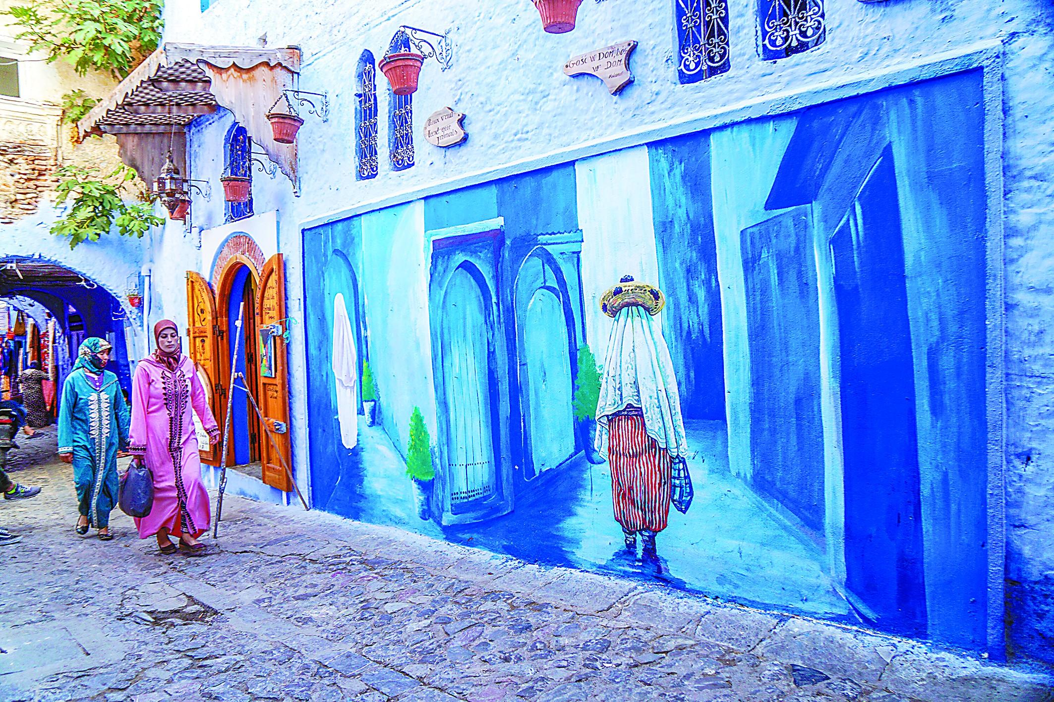 在北非摩洛哥古镇走进蓝色的童话世界