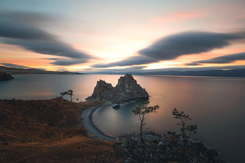 贝加尔湖秋色最佳旅游时间,贝加尔湖秋景推荐