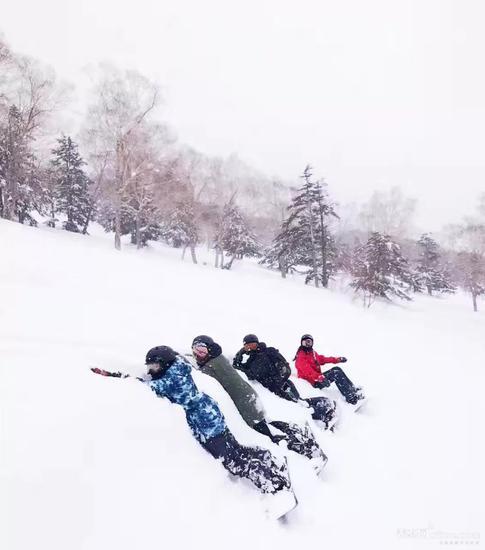 只知道吃日料、看樱花?去日本滑雪才是真会玩