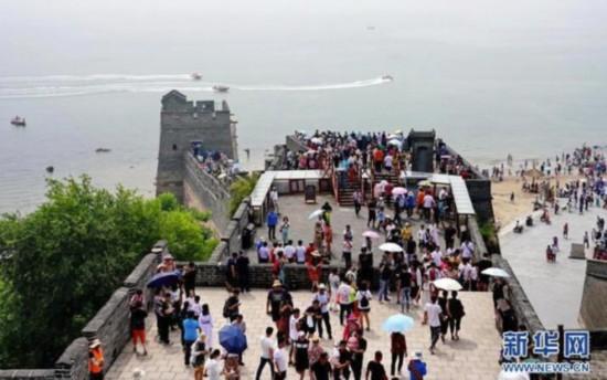 秦皇岛山海关迎来旅游旺季