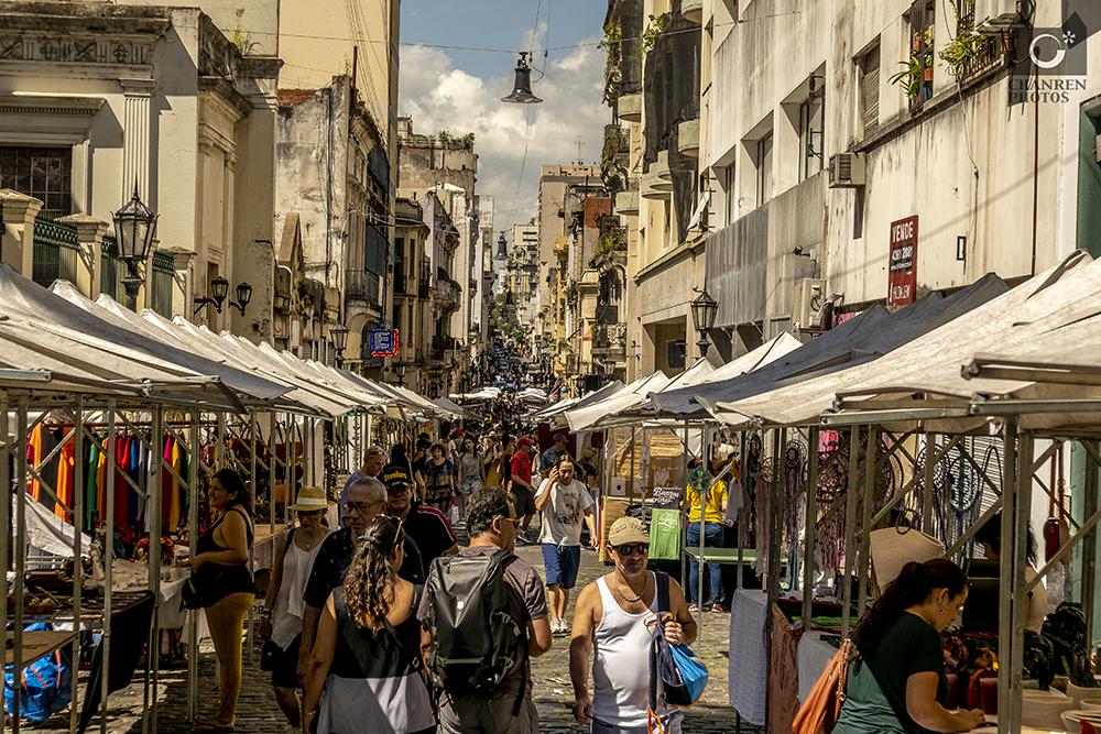 逛全球最美街区的跳蚤市场 淘回一堆往日情怀
