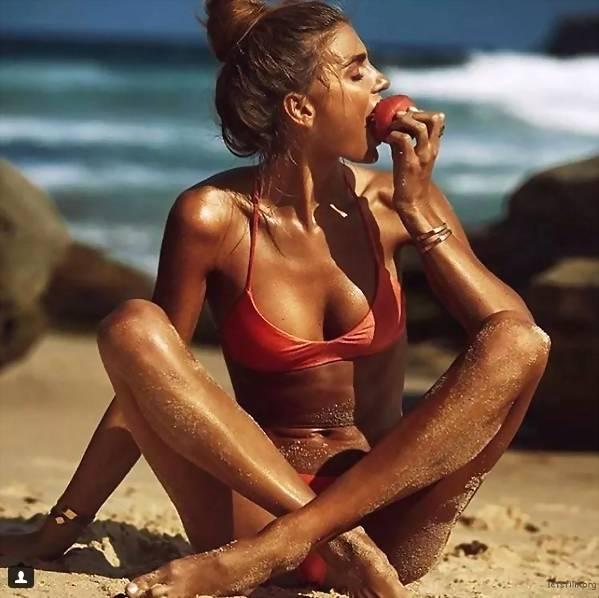澳洲22岁瑜珈美女摆脱忧郁症拥抱性感阳光 一张自拍价值十万