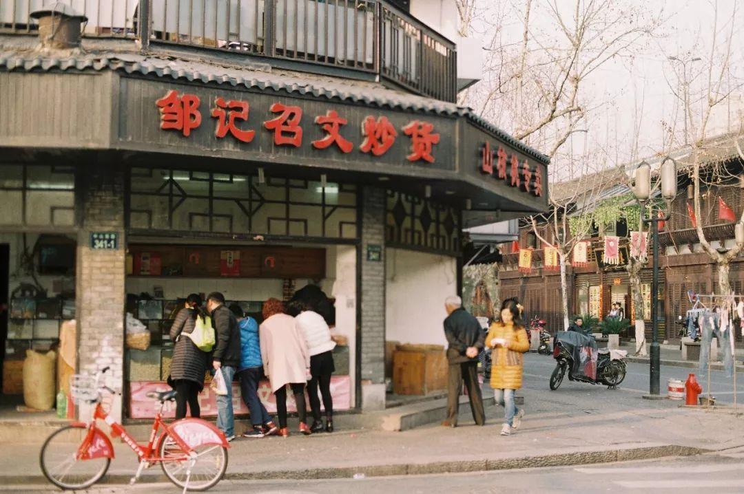 原来杭州最好吃的店都在这条路上!花掉一个月也吃不完!?