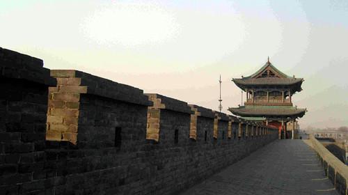 """中国最""""古老""""城墙:一墙分割2个世界 城中宝藏""""多不胜数"""""""