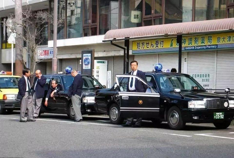 最戏精的日本人 都在出租车上