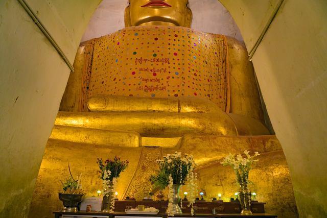 蒲甘最重要的寺庙之一:用国王名字命名 游客人来人往