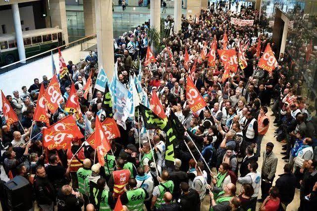 法国罢工,也是浪漫幽默的一种?_ABC2019年12月09日 07:53:00来源:Welens