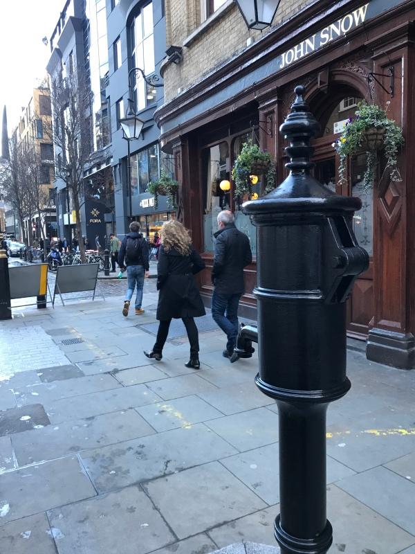 宽街的压水井,纪念一个普通的医生
