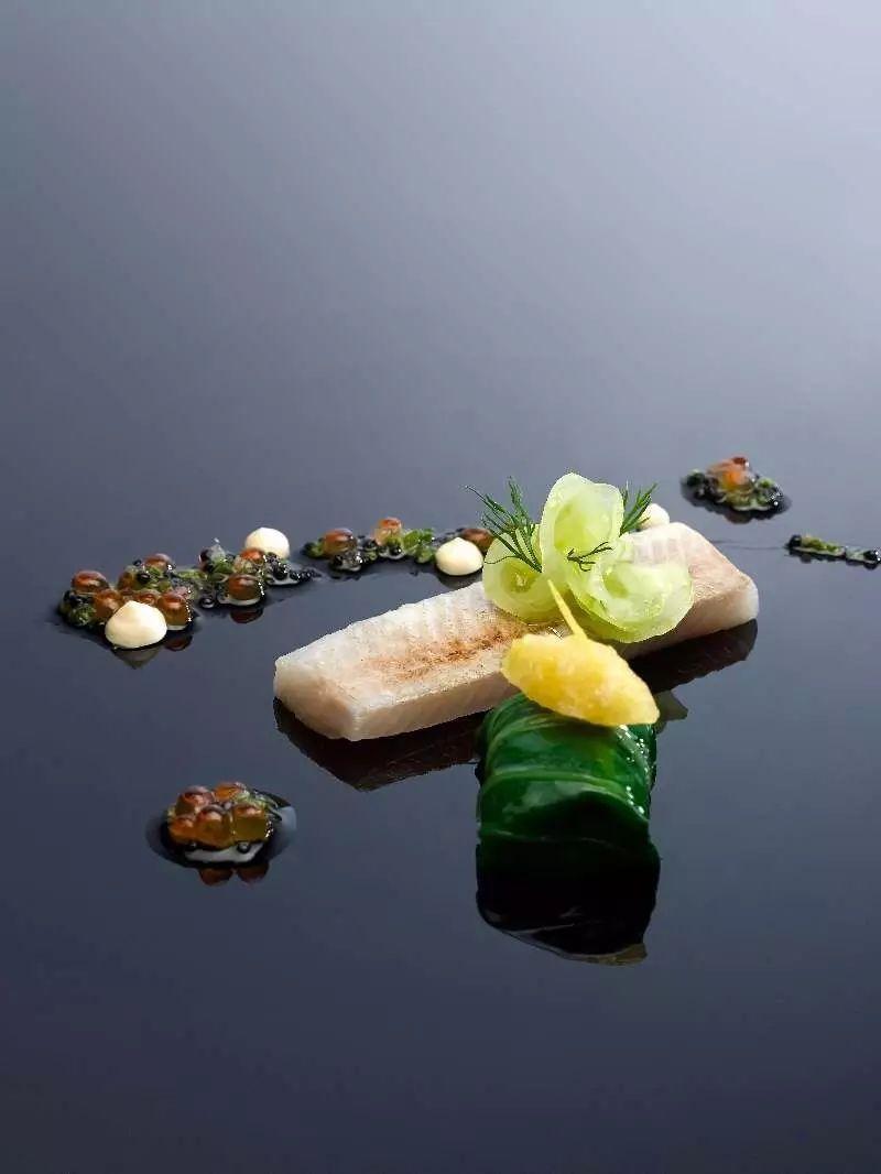 品新加坡美食的正确方式?请看悦住君费尽心思,心水推荐的新加坡圣淘沙名胜世界餐厅!