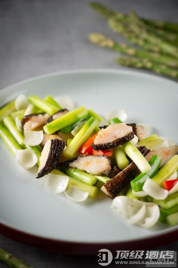 北京海航大厦万豪酒店彩海轩中餐厅推出新春健康养生菜
