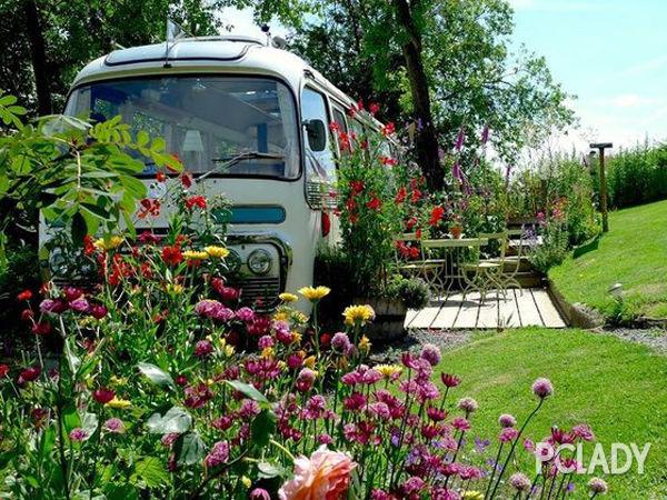 英国乡间的梦幻巴士小屋