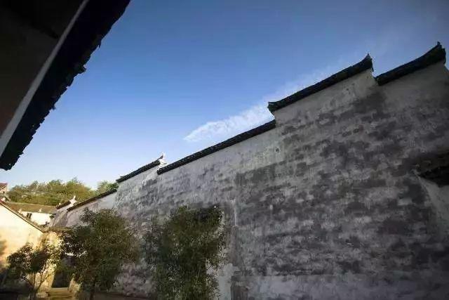 桐庐山中两家民宿酒店