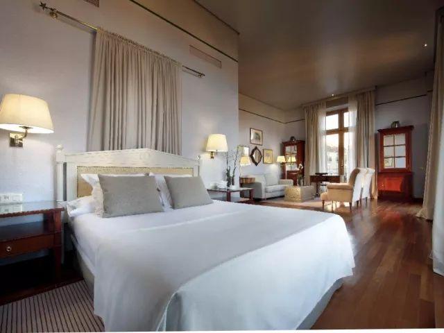 """一夜""""情""""之西班牙古堡酒店体验!从一见倾心到一夜钟情!"""