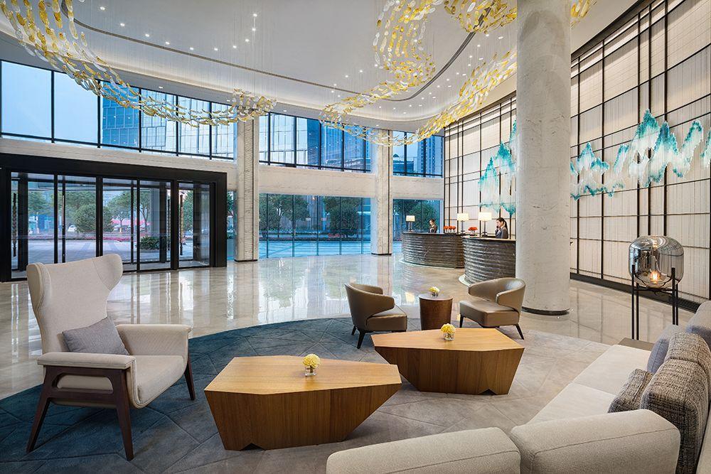 临窗尽享超美江景,在长沙这个轻奢酒店就能体验豪华东南亚美食!