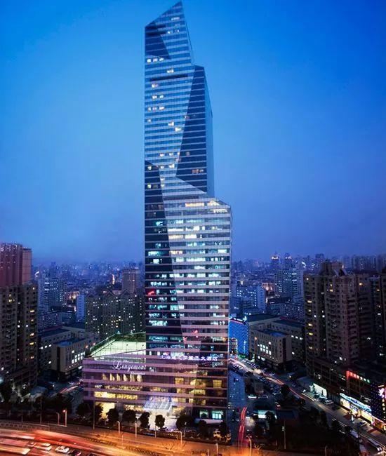 暌违10年,国内第二家丽晶酒店花落重庆,这个曾经叱咤全球的奢华品牌王者归来!