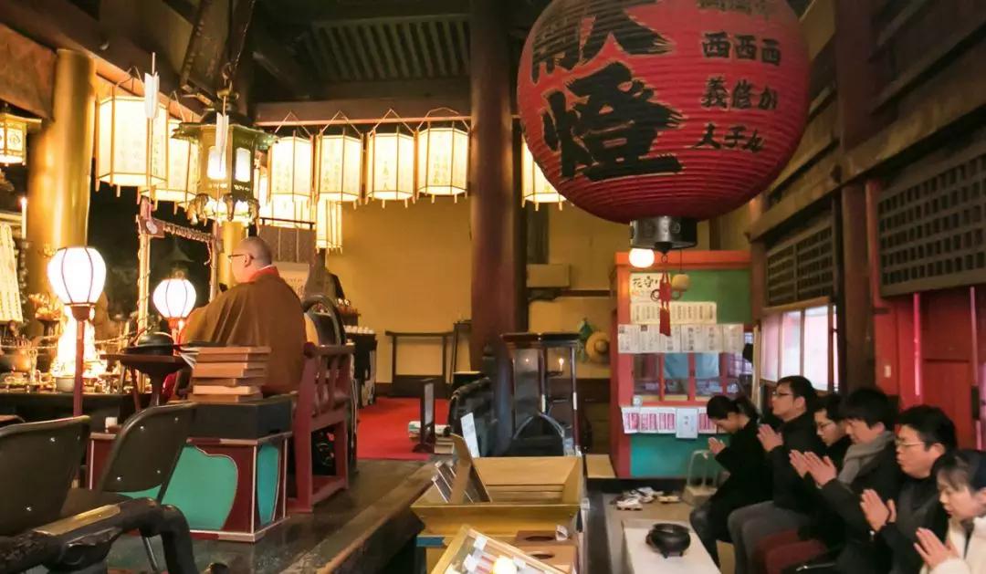 别再住酒店和民宿啦 最in的人已经住在寺庙里了!