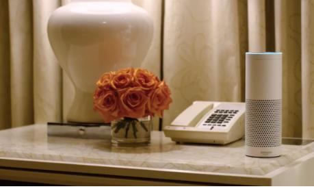 万豪酒店房间小助手:亚马逊Alexa和苹果Siri