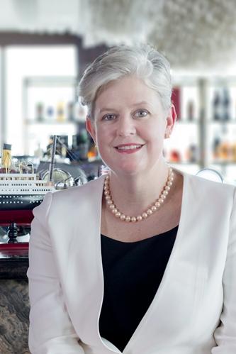 瑞吉品牌迎来亚太区首位女性酒店总经理