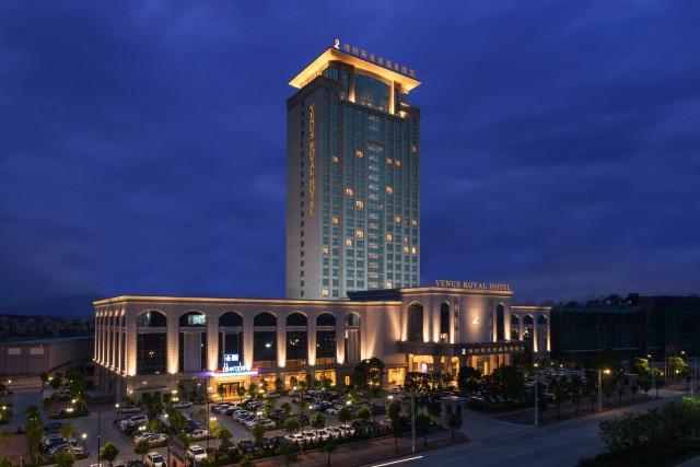"""维也纳创始人黄德满:中国酒店业的""""引进来""""与""""走出去"""""""